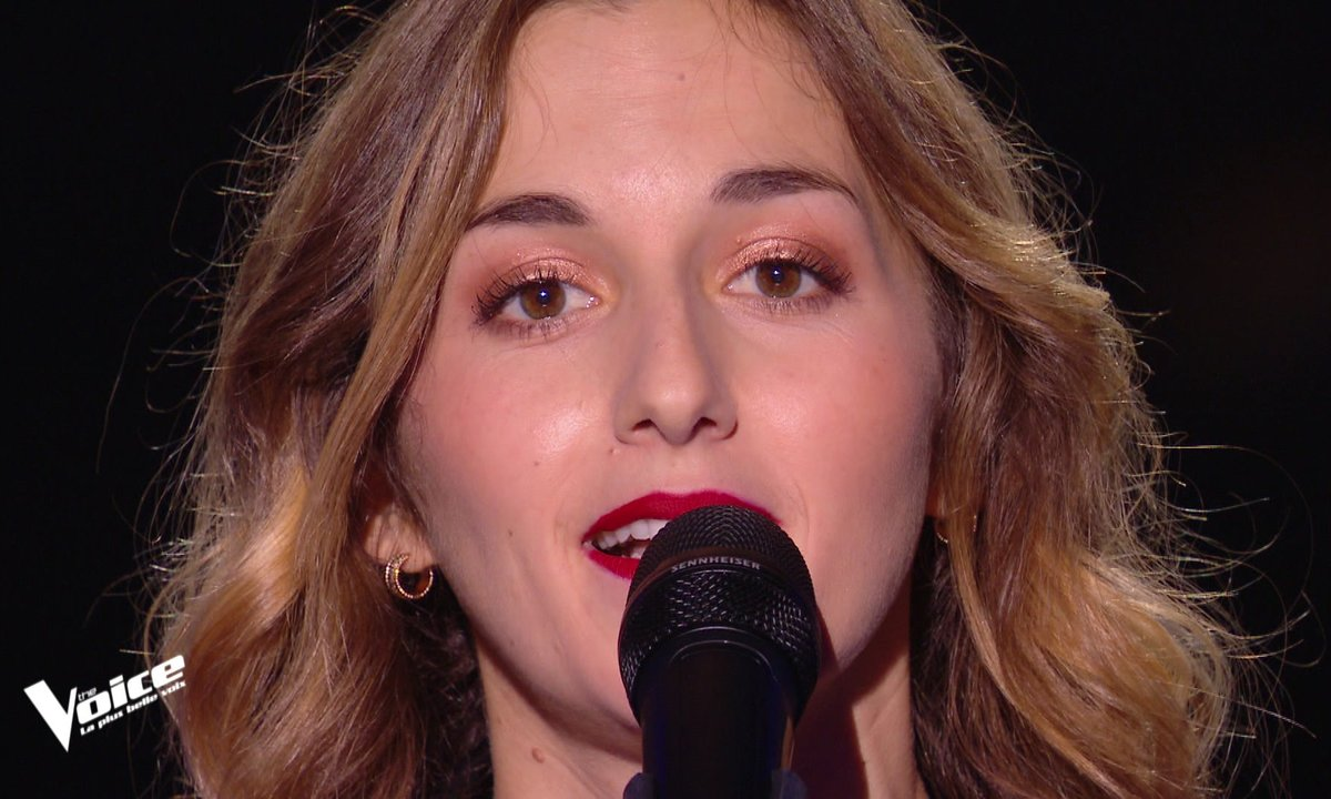 "The Voice 2021 - Domitille chante ""Je voulais te dire que je t'attends"" de Michel Jonasz"