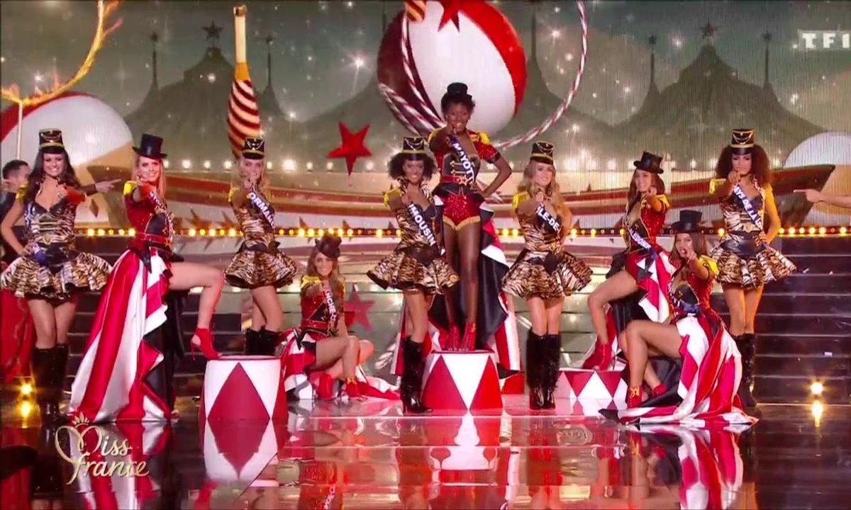 Miss France 2019 – 10 Miss défilent sur le thème du cirque