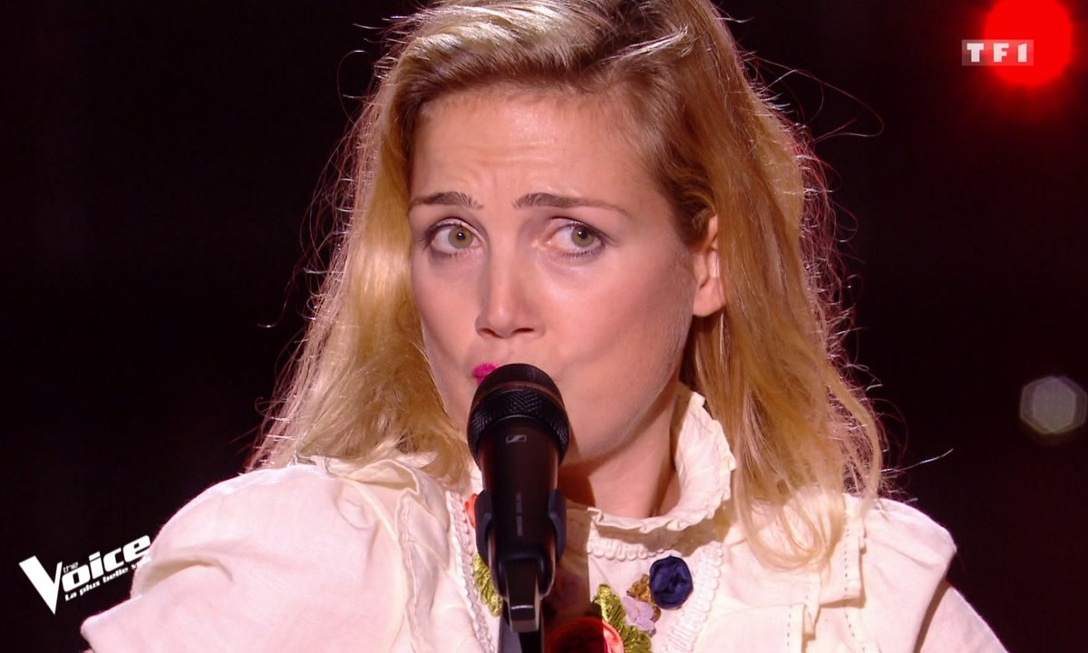 "THE VOICE 2020 - Elinor chante ""La parisienne"" de Marie-Paule Bell"