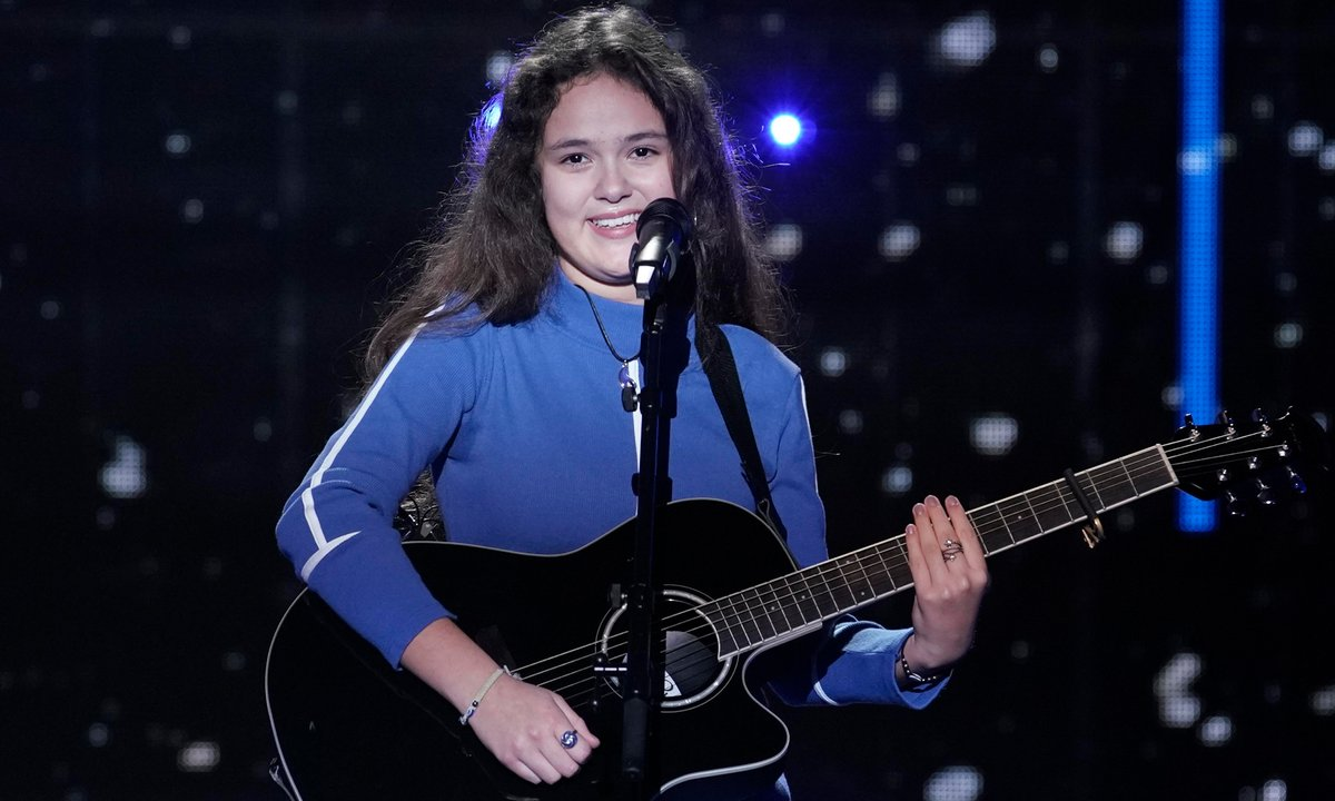 "The Voice Kids - Emilia chante ""Knockin' On Heaven's Door""  de Bob Dylan"
