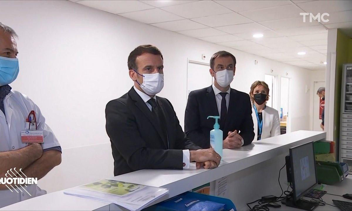 Emmanuel Macron à Poissy : échange glacial entre le président et les soignants