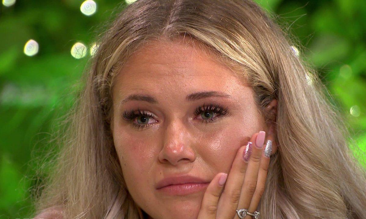 EMOTION – Cassandra évoque le traumatisme qu'elle a vécu
