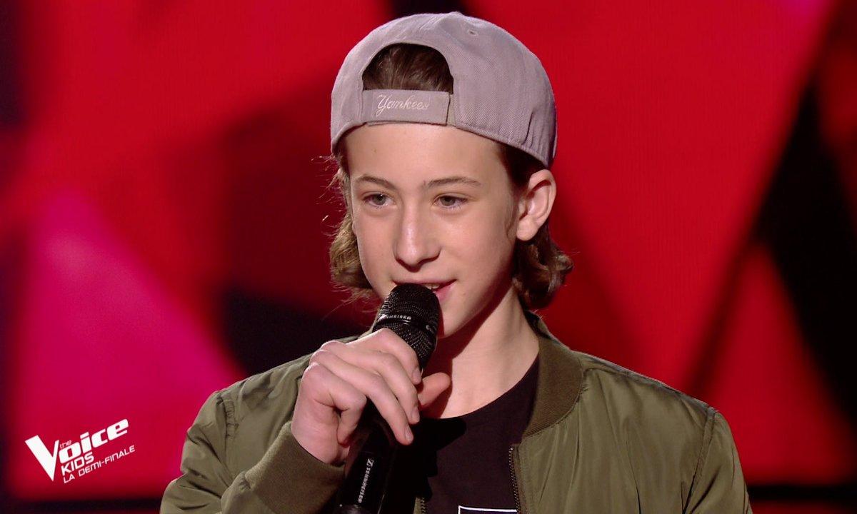 The Voice Kids : Esteban chante « La pluie » d'Orelsan (Team Jenifer)