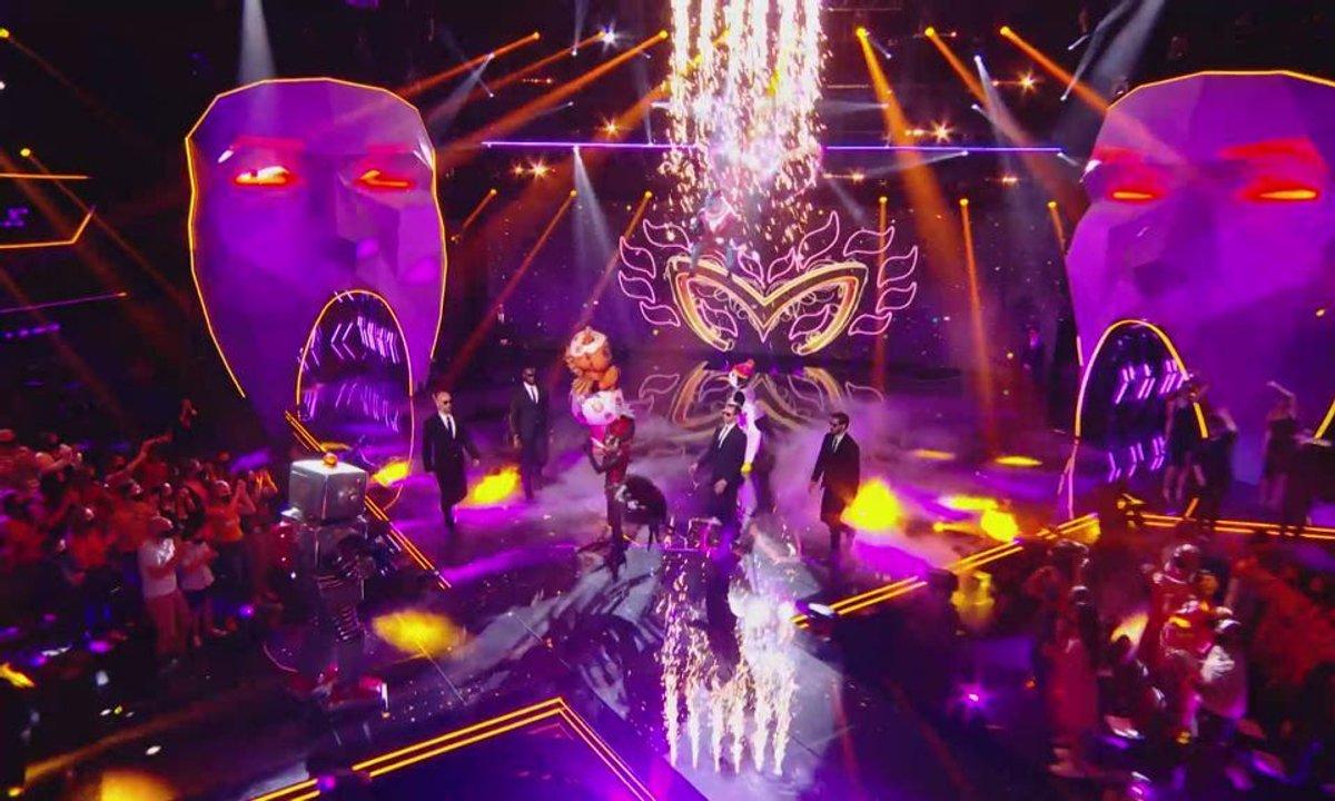 """Les demi-finalistes de Mask Singer chantent """"Allez reste"""" de Vianney et Boulevard des Airs"""