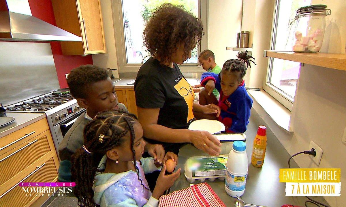 """Famille Bombele : Séance crêpes """"freestyle"""" avec les enfants"""