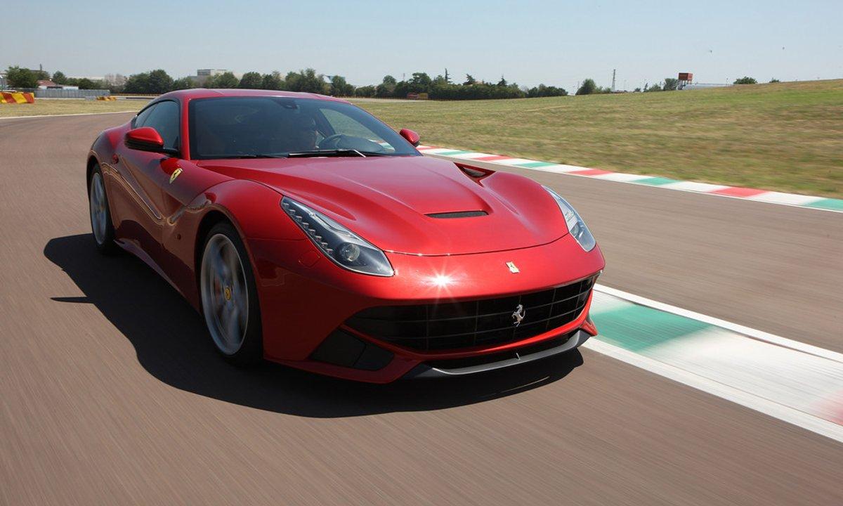 Essai Vidéo : Ferrari F12berlinetta, la plus puissante de Maranello !
