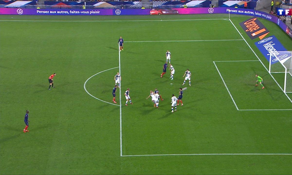 France - Finlande (0-0) : la belle occasion de Karim Benzema