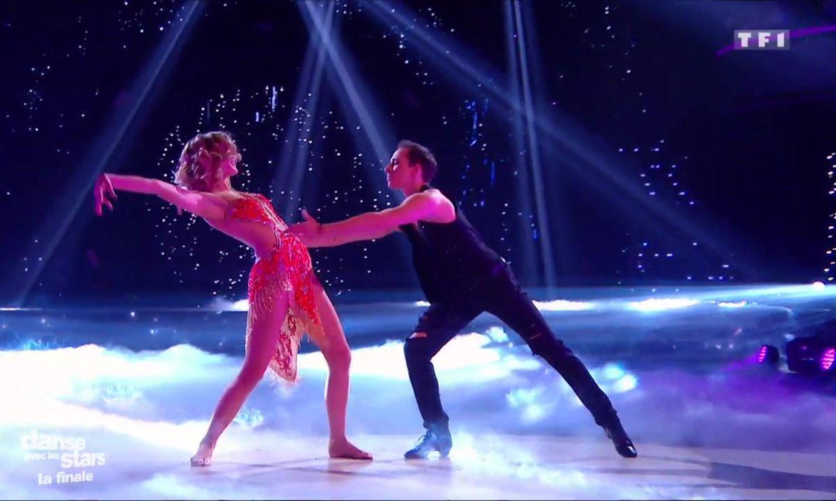 Freestyle, l'ultime danse de Camille Lou et Grégoire sur les « Wings »