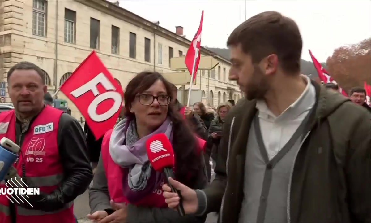 Gilets jaunes J-1 : Emmanuel Macron se heurte à la grogne à Besançon