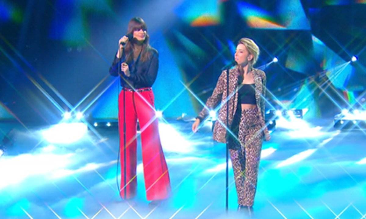 "THE VOICE 2020 – Gustine et Clara Luciani, en duo, chantent ""La Grenade"" (Finale)"