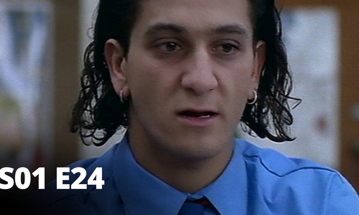 Hartley, coeurs à vif - S01 E24 - Épreuve de force