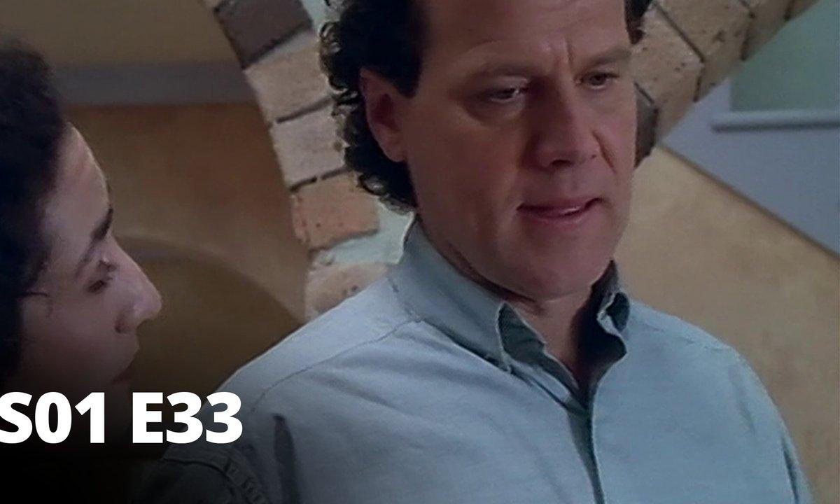 Hartley, coeurs à vif - S01 E33 - Le Shark Pool
