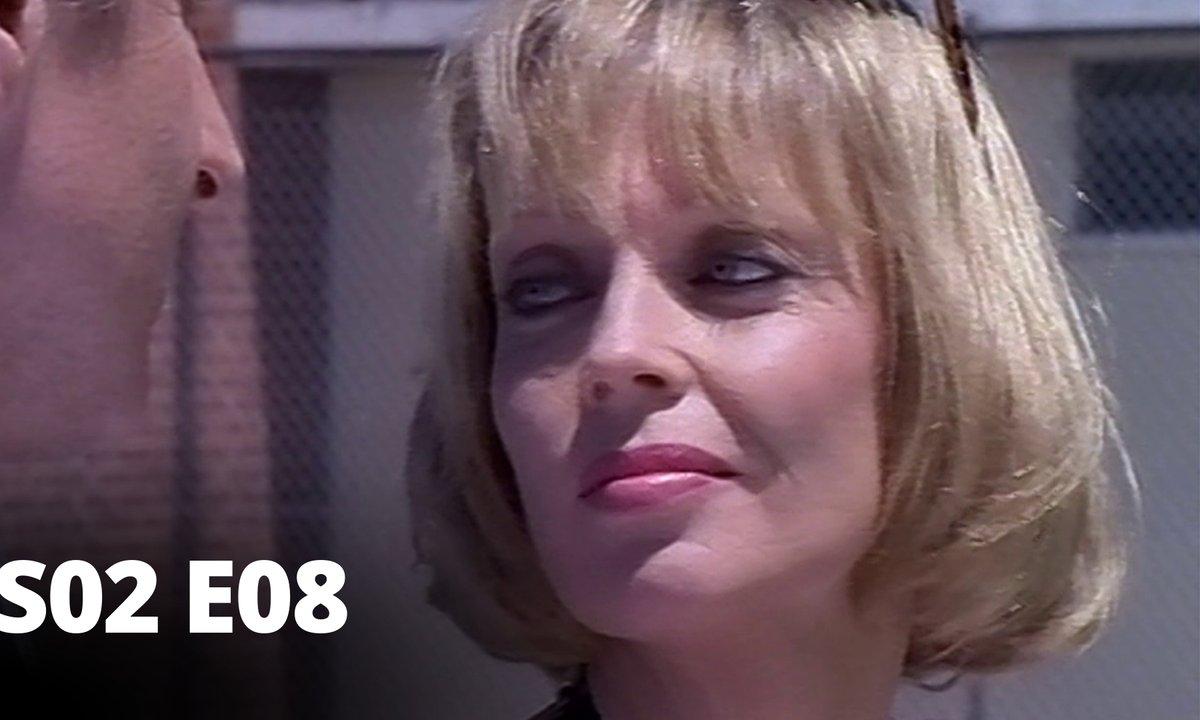 Hartley, coeurs à vif - S02 E08 - Adultère
