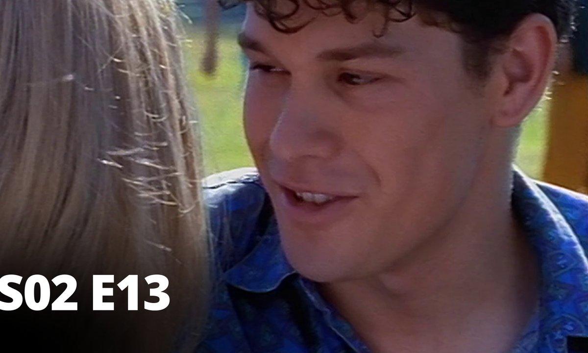 Hartley, coeurs à vif - S02 E13 - Un départ inattendu
