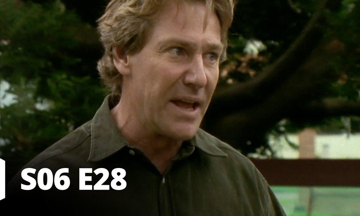 Hartley, coeurs à vif - S06 E28 - Je ne suis pas Simon