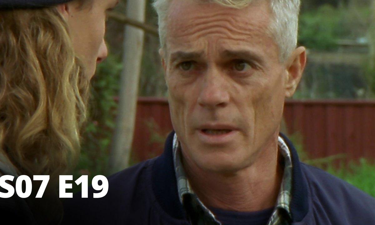 Hartley, coeurs à vif - S07 E19 - Suspect