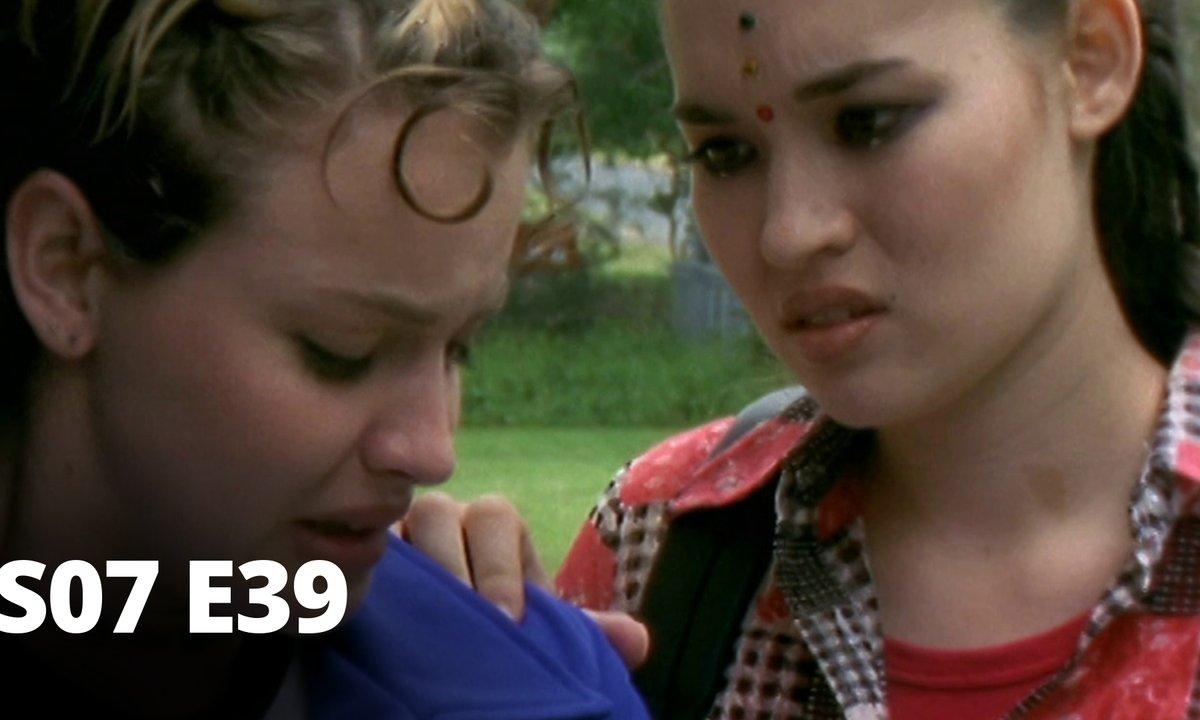 Hartley, coeurs à vif - S07 E39 - Harcèlement