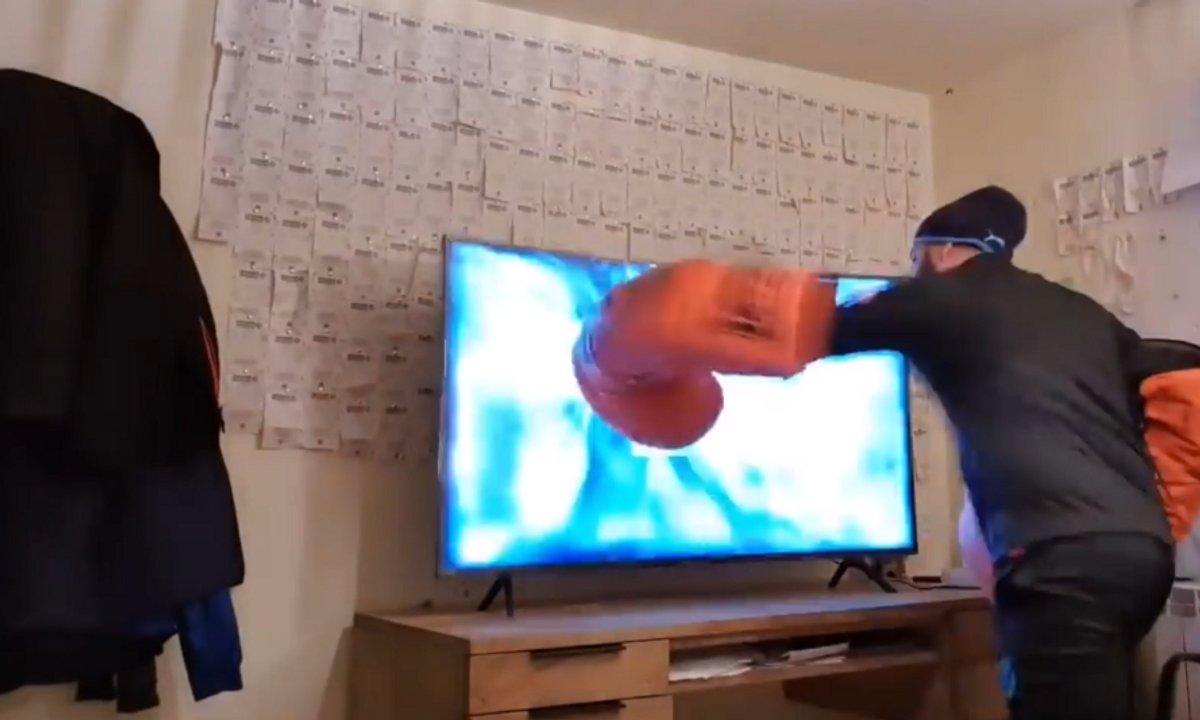 VIDEO - Henni explose un nouvelle TV après la performance de Messi