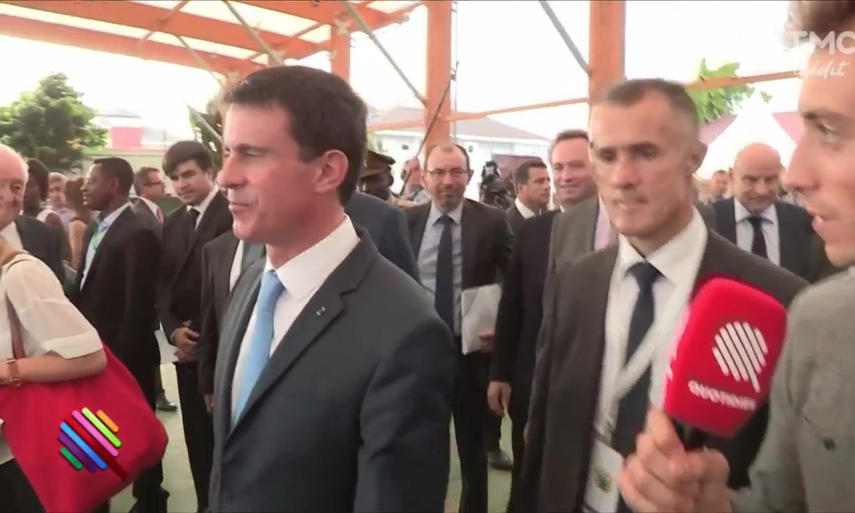 Hollande VS Valls — And the winner is ?