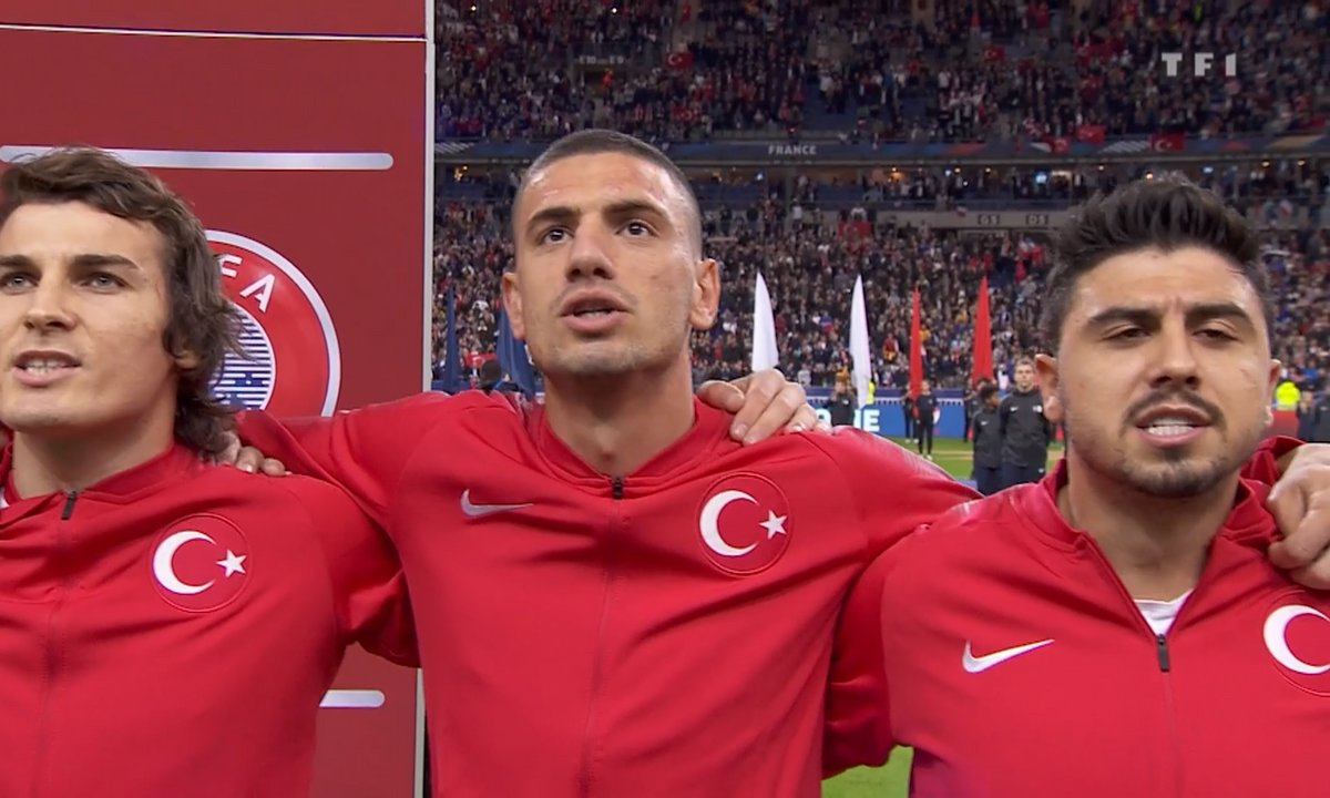 France - Turquie : Voir l'hymne turc en vidéo