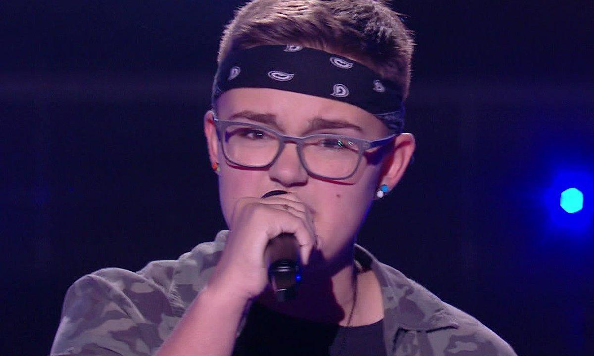"""The Voice Kids 2020 - Inès chante """"Un jour au mauvais endroit"""" de Calogero"""