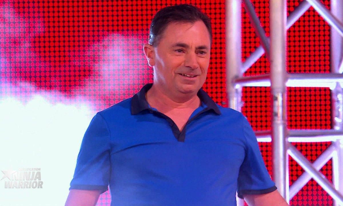 INSOLITE : Le recordman Michael Levilain casse des noix avec ses fesses !