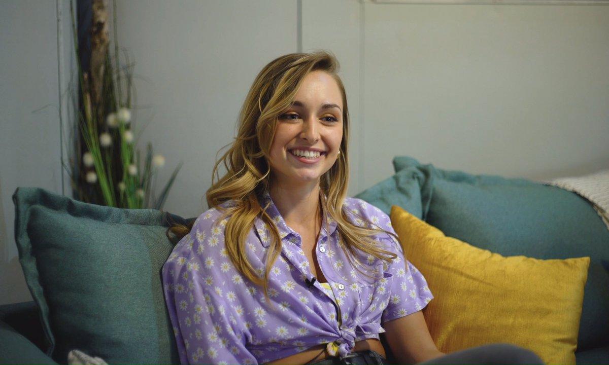 """Interview - Emma Smet (Sofia Daunier) : """"Dans la vie je suis très timide !"""""""