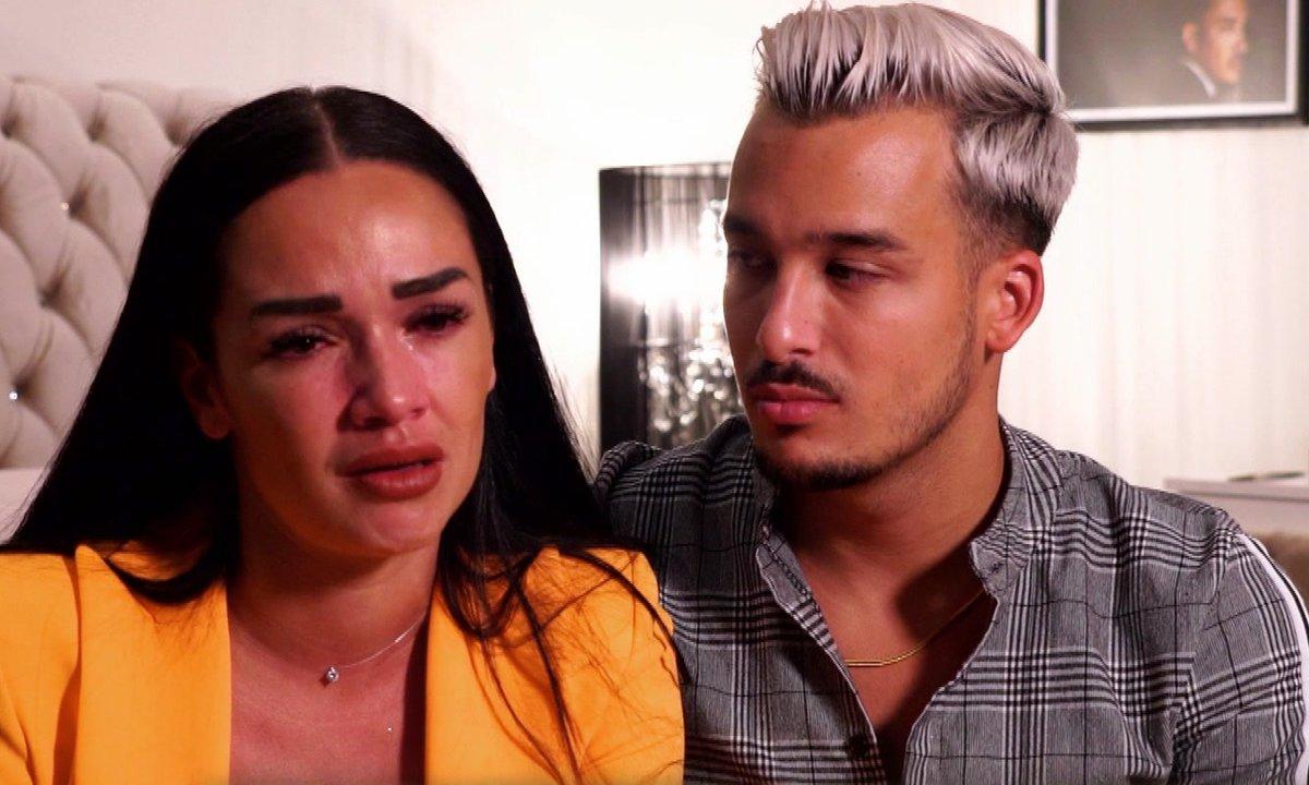 Jazz et Eva se disputent dans l'épisode 03 de la JLC Family