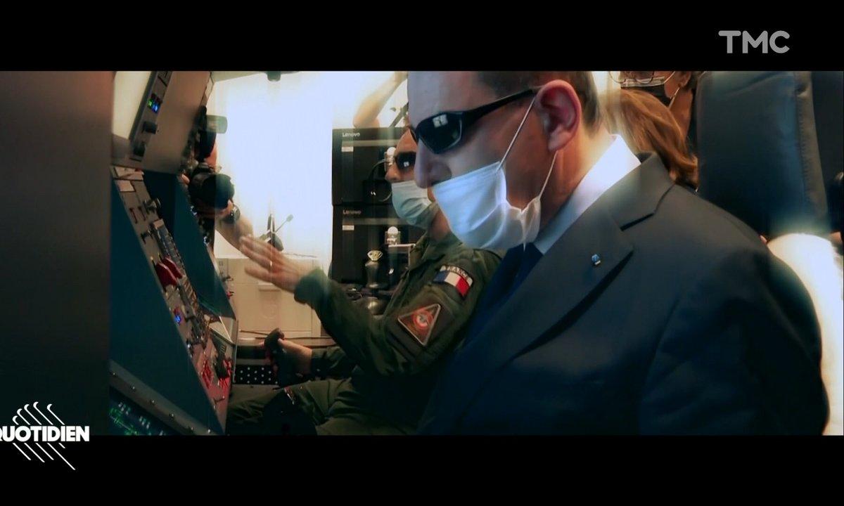 Jean Castex se prend pour Keanu Reeves dans Matrix