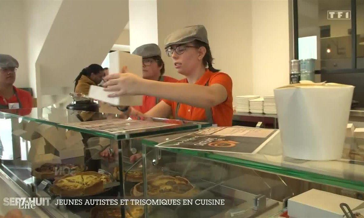 Jeunes autistes et trisomiques en cuisine