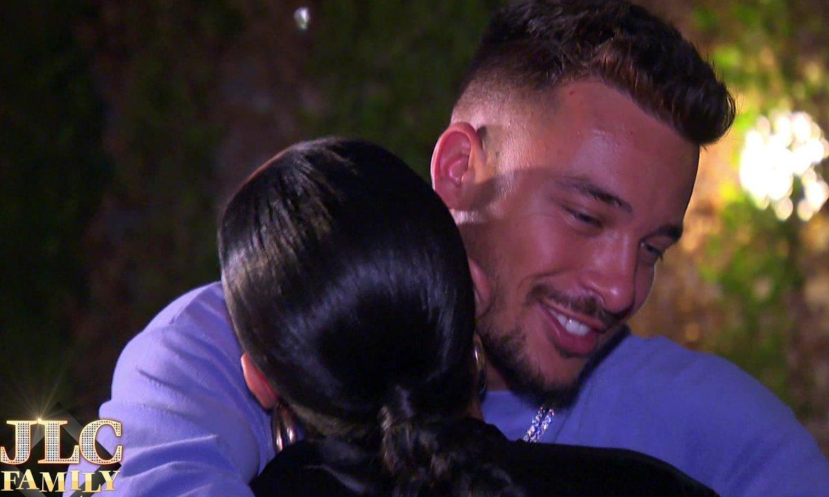 JLC Family - Jazz et Laurent disent adieu à leur première maison avec émotion