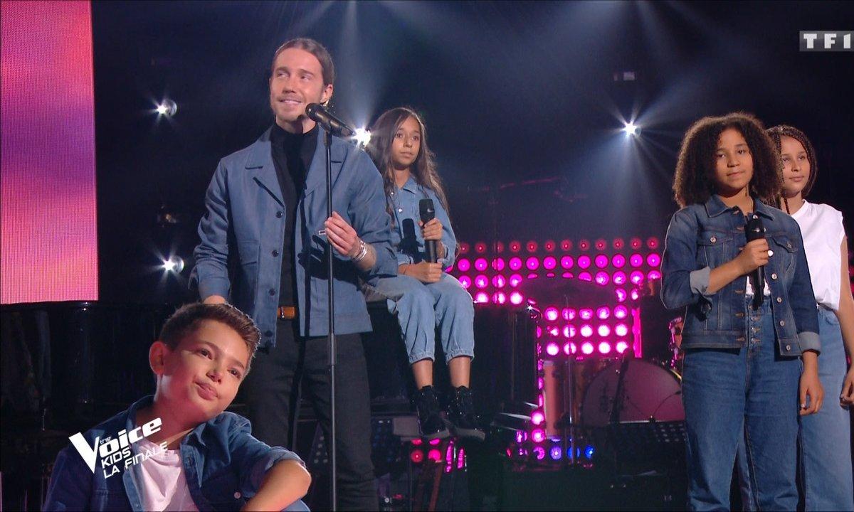 """The Voice Kids - Finale - Julien Doré et les talents chantent """"Barracuda"""""""