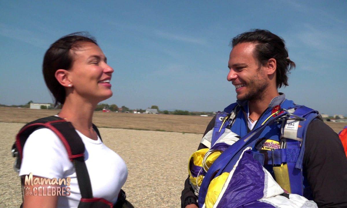 Julie saute en parachute avec son mari !