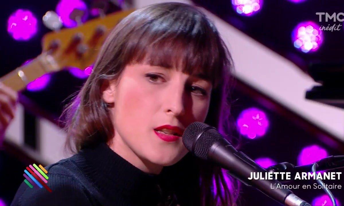 """Juliette Armanet - """"L'amour en solitaire"""" sur la scène de Quotidien"""