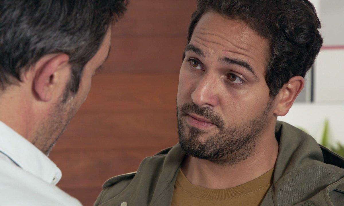 Karim demande de l'aide à Victor (épisode 259)