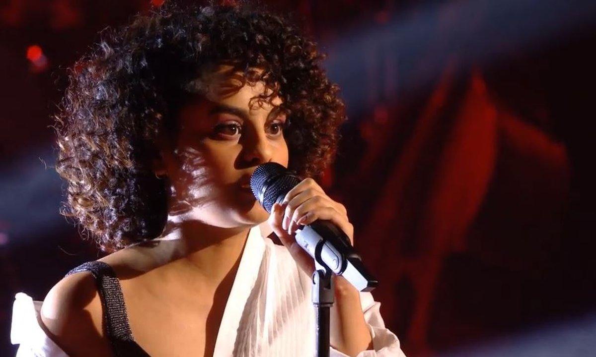 "The Voice 2021 – Kay chante ""Je te rends mon amour"" de Mylène Farmer (KO)"