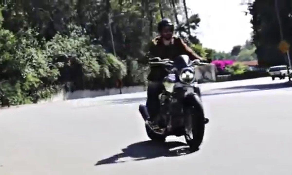Keanu Reeves et Gard Hollinger au guidon de la nouvelle KRGT-1