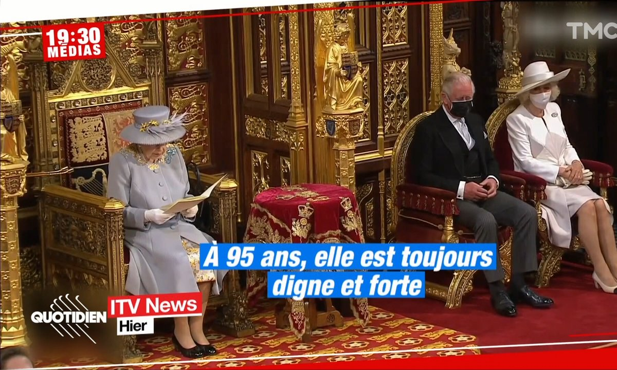 La reine Elizabeth II imperturbable pour sa première apparition publique sans le prince Philip