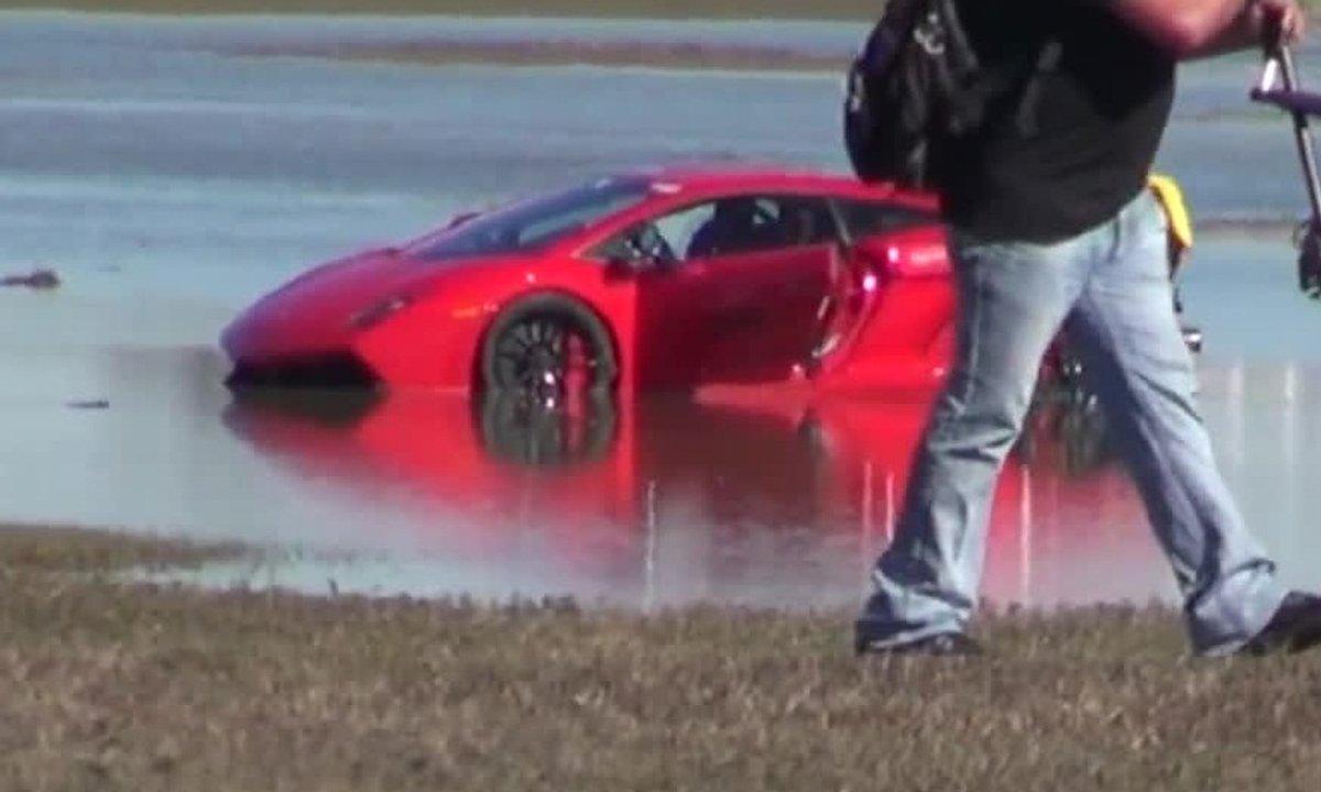 Insolite : Une Lamborghini Gallardo de 2.000 chevaux finit dans l'eau !