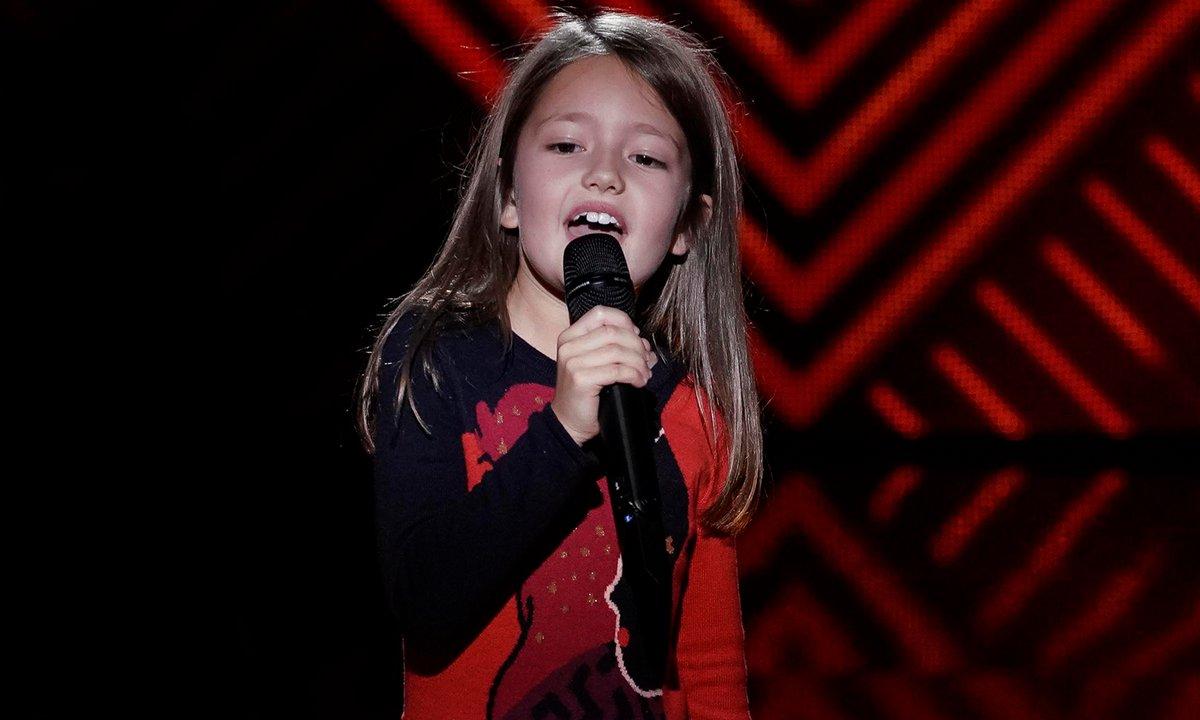"""The Voice Kids - Lena chante """"Perhaps, perhaps, perhaps"""" de Doris Day"""