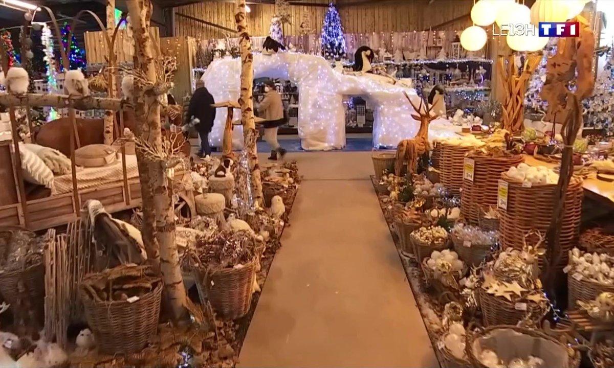 Les décorations de Noël égaient déjà les magasins