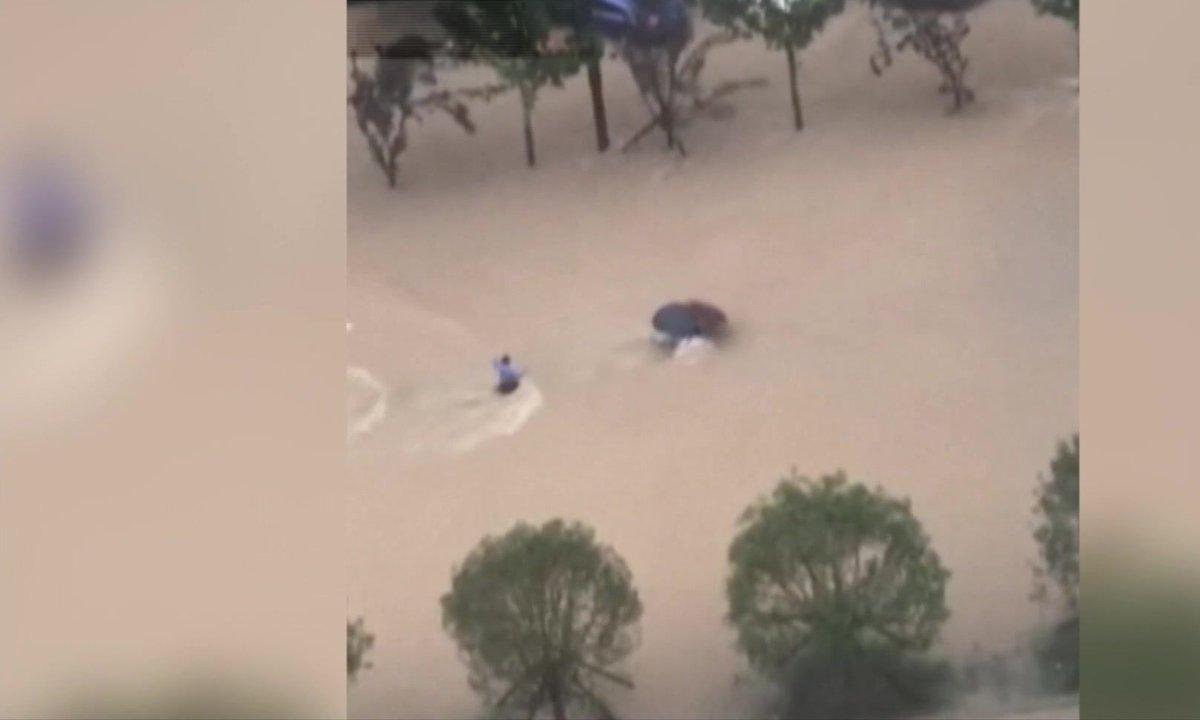 Les images des pluies torrentielles en Chine