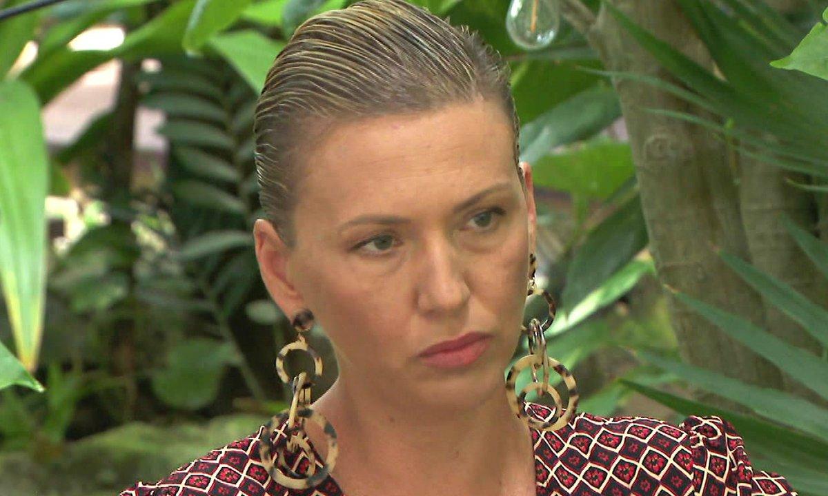 Lucie prend une décision radicale dans l'épisode 40 de La Villa des Cœurs Brisés