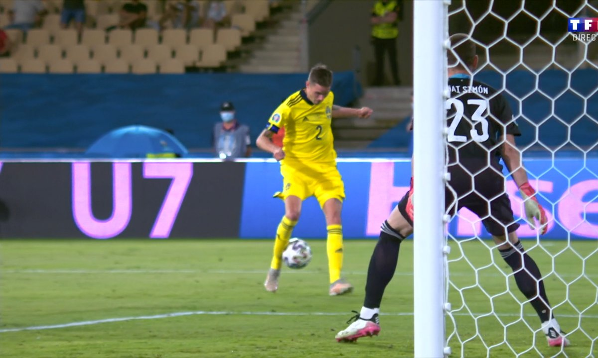 Espagne - Suède (0 - 0) : Voir la reprise manquée de Lustig en vidéo