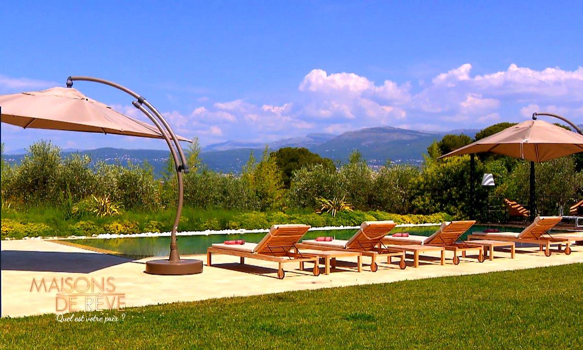 EXCLU - Visitez une villa provençale et luxueuse à Mougin