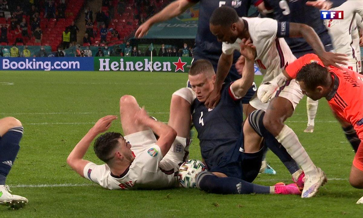 Angleterre - Ecosse (0 - 0) : Voir la mêlée dans la surface écossaise en vidéo