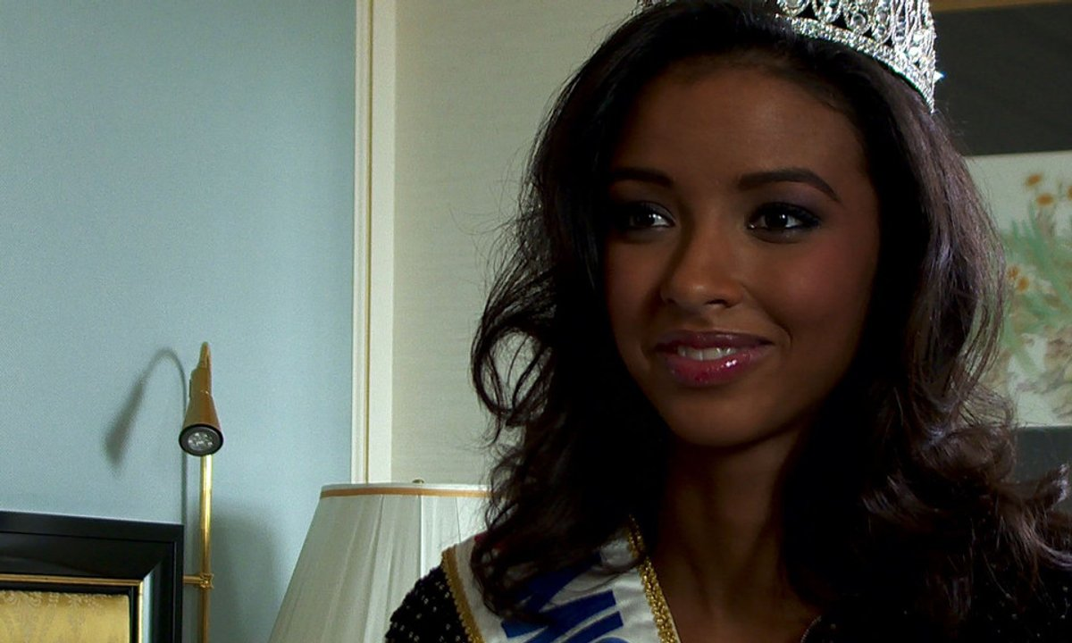 Miss France 2014 : Flora Coquerel « Je veux juste partager ma bonne humeur »