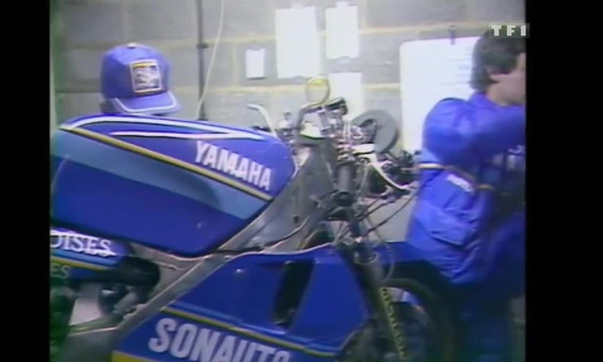 GP Moto : La Yamaha 500 de Christian Sarron (Auto Moto 10 Août 1985)