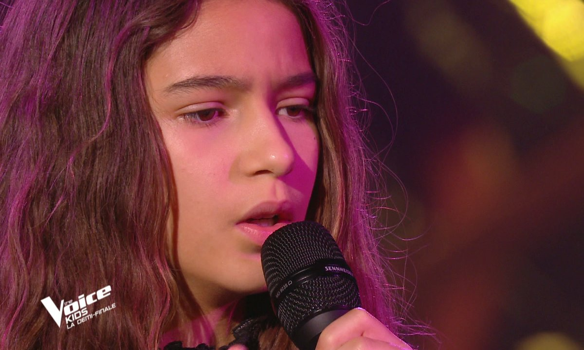 "The Voice Kids 2020 - Demi-Finale : Naomi chante ""I will never love again"" de Lady Gaga (Team Kendji)"