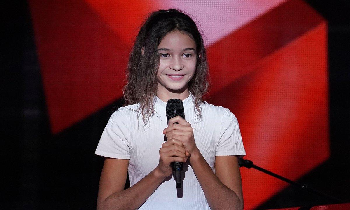 """The Voice Kids - Naomi chante """"Bohemian Rhapsody"""" de Queen"""